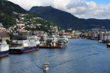 Prabusirea pretului petrolului si scandalul Dieselgate de la Volkswagen aduc Norvegia pe deficit, pentru prima data din anii lsquo;90
