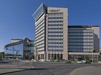 Grupul austriac Raiffeisen Bank International fuzioneaza cu banca mama Raiffeisen Zentralbank