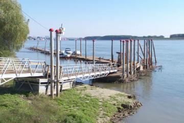 Bani aruncati pe apa Dunarii. Autoritatile au cheltuit 800.000 de euro pentru Portul din Galati, care trebuie relocat dupa 7 ani