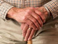 """Companiile angajează tot mai mulți pensionari, pentru a face față lipsei de personal. """"Îşi desfăşoară activitatea cu acurateţe, cu punctualitate, cu fidelitate"""""""