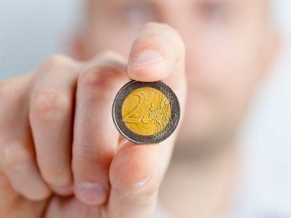 Euro se mentine sub 4,52 lei, la cursul BNR. Dolarul se depreciaza usor