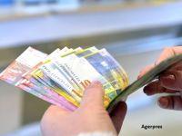 Curtea Constitutionala amana, din nou, luarea unei decizii in privinta conversiei creditelor in franci. De ce a atacat fostul premier legea la CCR