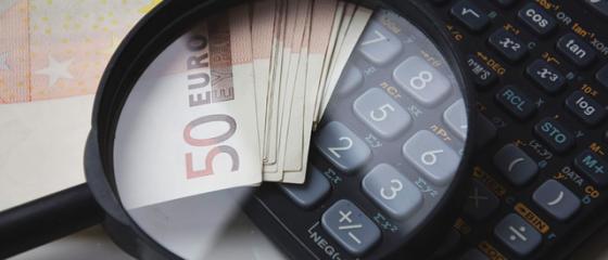 Comisia Europeana a revizuit in urcare, la 5,2%, cresterea economica a Romaniei in acest an, dar avertizeaza asupra defitului bugetar din 2017