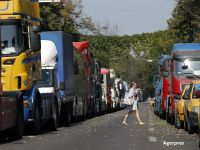 Preturile rovinietelor scad pentru vehiculele de transport marfa, dar raman neschimbate pentru autoturisme si microbuze