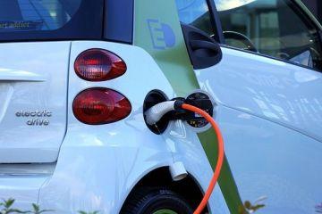 Statul roman ofera o prima de 10.000 de euro celor care isi cumpara masina electrica prin programul Rabla. Cate tichete sunt disponibile