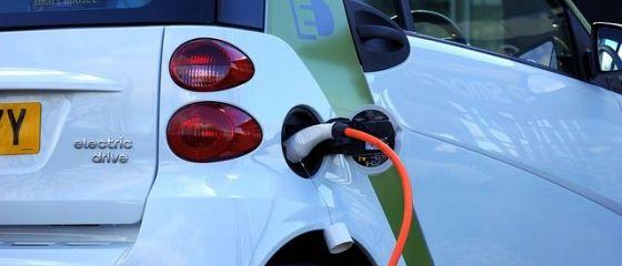 Tot mai multe masini  verzi  in Romania. Numarul de autoturisme electrice s-a dublat