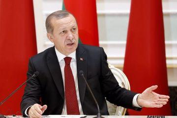 Erdogan le-a cerut turcilor să îşi vândă aurul şi dolarii americani în sprijinul monedei ţării.  Cooperarea între Turcia şi SUA este în pericol