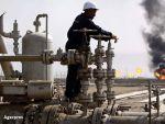 Pretul petrolului a crescut cu 15%, depasind pragul de 53 de dolari. Saxo Bank: Acordul OPEC este o victorie a economiei asupra politicii