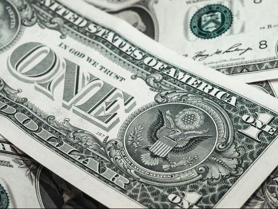 Leul a continuat sa se aprecieze fata de euro si francul elvetian. Dolarul face un salt semnificativ