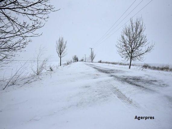 Mai multe retele electrice din Bucuresti, Ilfov si Giurgiu, afectate de viscol
