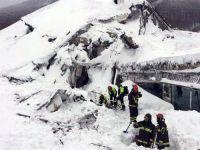 Trei romani sunt dati disparuti in avalansa care a ingropat in zapada un hotel din Italia