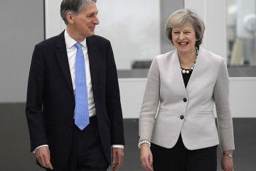 Ministrul britanic de Finante spune ca Londra va insista pentru un acord comercial cu UE, dupa Brexit, la doua zile dupa ce Theresa May anuntate ruperea totala de UE