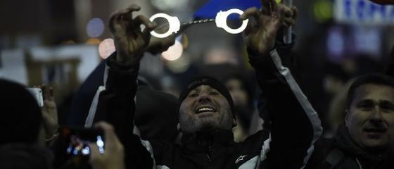 Cel mai mare protest anti-guvern dupa caderea regimului comunist . Ce scrie presa straina despre manifestatiile din Romania