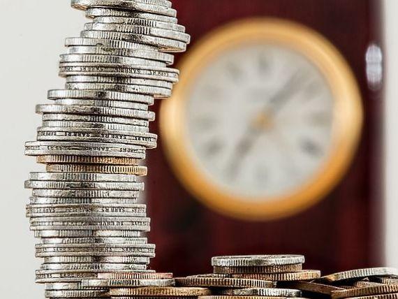 Euro depaseste din nou 4,55 lei, cursul mentinandu-se la maximul ultimilor ani. Cum explica ministrul Finantelor caderea abrupta a leului din aceasta saptamana