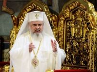 Patriarhul Daniel: Oamenii nu mai aduna in suflet pacea de la Dumnezeu care pacifica patimi egoiste ca ABUZUL DE PUTERE