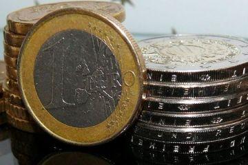 Euro scade din nou sub 4,52 lei. Leul se apreciaza si in raport cu dolarul