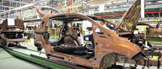 Ford aduce 190 de roboti noi la Craiova. Un autoturism B-Max, asamblat la fiecare 100 de secunde