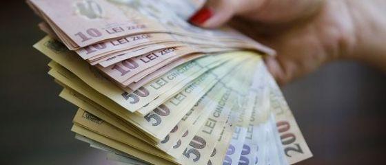 Salariul mediu net a crescut în iunie cu 14,3%, la 2.721 lei. Câștigul real a fost doar cu 8,4% mai mare, din cauza inflației