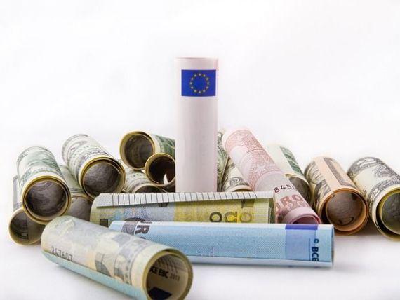 Euro stagneaza aproape de 4,53 lei. Analistii estimeaza ca leul a atins limita de depreciere