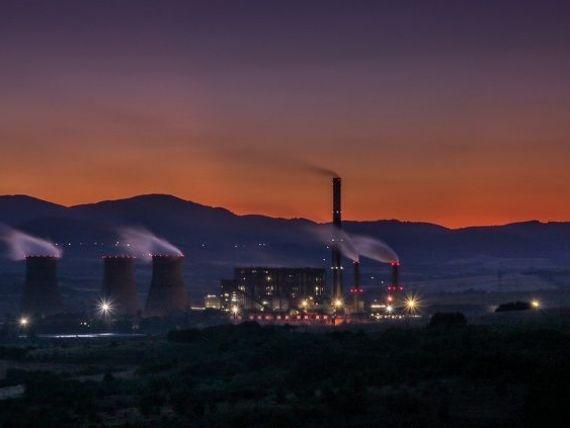 Activitatea industriala a scazut puternic in ianuarie, pentru a patra luna consecutiv. Comenzile noi au coborat semnificativ, iar firmele incep sa renunte la angajati