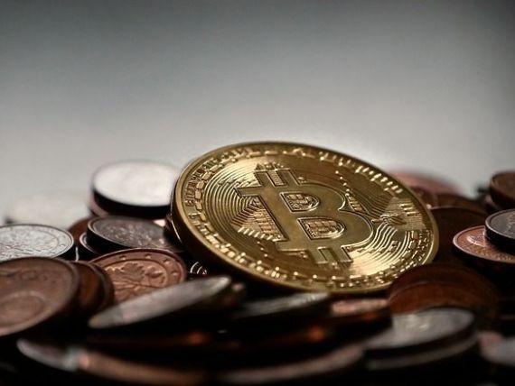 Bitcoin s-a apreciat cu 1.000 de dolari într-o singură zi, depăşind 11.000 de dolari.  Nu există fundamente şi nici motive tehnice care să explice asta