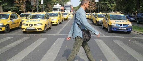 Reactia transportatorilor la intentia Primariei Capitalei de a infiinta un dispecerat de taxi:  Ar fi o forma de nationalizare a afacerilor private