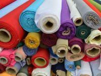 Un producator de haine pentru marii retaileri internationali se retrage din Romania, din cauza majorarii costurilor. 350 de oameni raman fara joburi