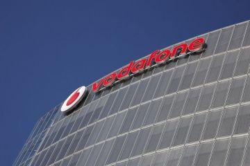 FT: Vodafone concediază 1.700 de angajaţi, inclusiv din România, și ia în considerare vânzarea a zeci de mii de turnuri de telefonie mobilă