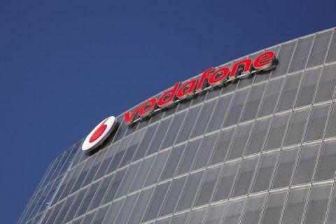 Tranzacție gigant în Europa: Vodafone preia operatorul de cablu Liberty Global, care deține și UPC România. Reacția rivalului Deutsche Telekom