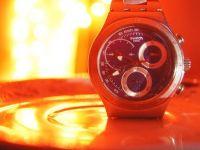 Swatch dezvolta un sistem de operare pentru smartwatch-uri cu care sa concureze Google si Apple