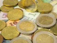 Euro scade sub 4,57 lei, dolarul atinge cel mai mic nivel din ultimele 6 luni