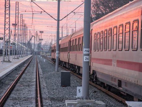 Ministerul Transporturilor vrea sa amane pana in 2024 acordarea de despagubiri calatorilor pentru intarzierea trenurilor