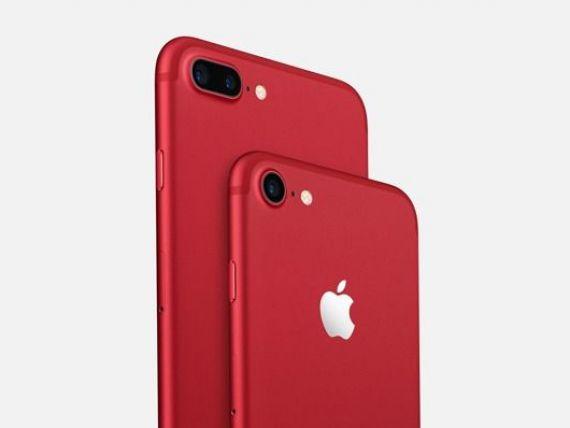 Apple lanseaza o noua versiune a tabletei iPad si anunta scoaterea la vanzare a unui iPhone de culoare rosie