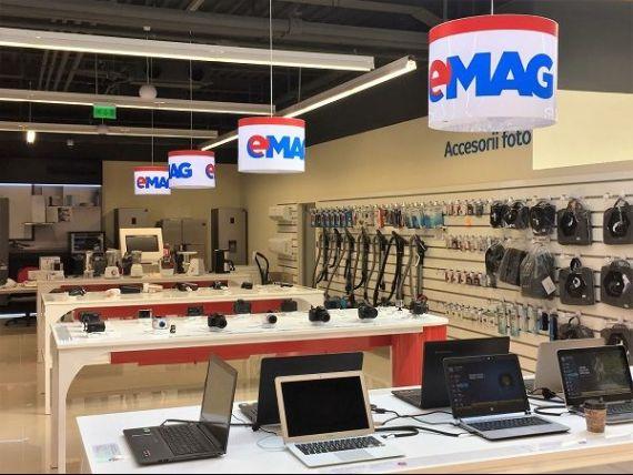 Lingouri din aur, un BMWi8 și pachete pentru naşteri, între ofertele de Black Friday la eMAG. Retailerul se așteaptă la vânzări de 400 mil. lei