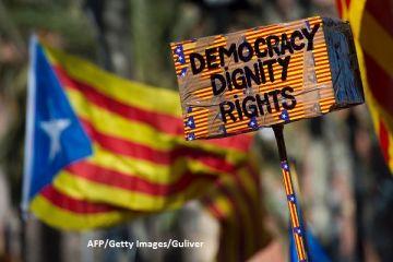 Catalonia ar urma să-și proclame, marți, independența față de Spania, în Parlamentul regional. Companiile mari amenință că părăsesc Barcelona