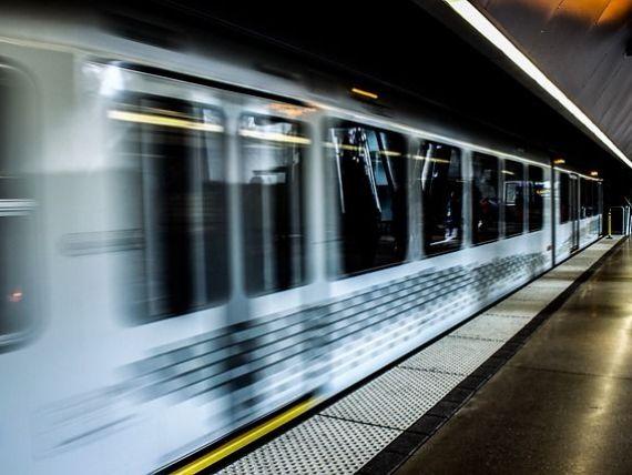 Metrorex estimează dublarea veniturilor în 2017, la 1,37 mld. lei. Cât câștigă angajații de la metrou