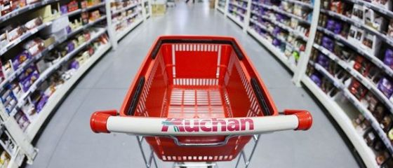 Auchan se aliaza cu OMV Petrom si deschide magazine in benzinarii, premiera pe piata din Romania