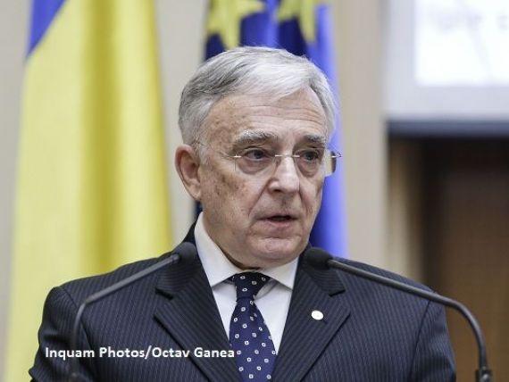 Isarescu: Economia este dezechilibrata de stimularea consumului. Romania finanteaza locuri de munca in exterior si nu sustine investitiile