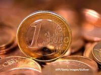 Euro coboara sub 4,52 lei si se apropie de minimele din februarie