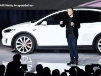 Tensiuni la varful Tesla, care a devenit cel mai valoros producator auto din SUA. Musk le sugereaza actionarilor nemultumiti sa cumpere actiuni Ford