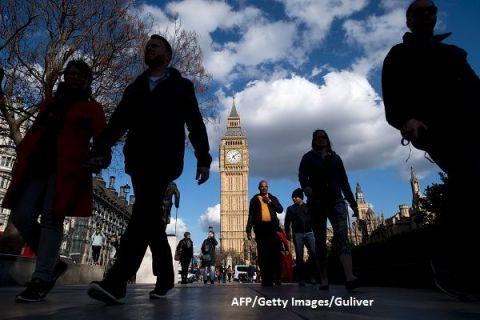 Poveștile românilor din Marea Britanie, în cuvinte și lacrimi:  Ne urăsc!  Și totuși:  Dacă plecăm, ce face Anglia fără noi?