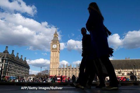 Cetățenii UE fug din Marea Britanie, de frica Brexitului: scădere record a numărului europenilor care lucrează în Regat. Criza de specialiști determină majorarea accelerată a salariilor