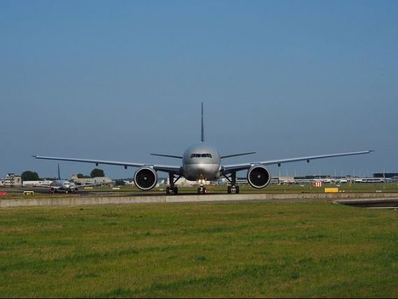Familia regala din Qatar a trimis un avion cu bani pentru a-si rascumpara 26 de membri capturati de o militie irakiana. Aeronava cu milioane de dolari, blocata la Bagdad