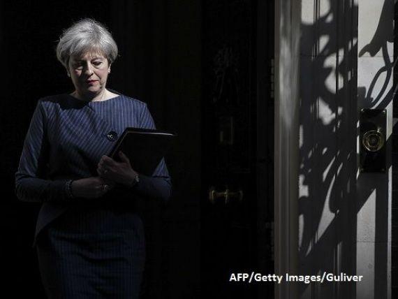 Theresa May își pierde aliatul-cheie în negocierile pentru Brexit. Frontiera irlandeză va marca viitorul Marii Britanii în afara UE