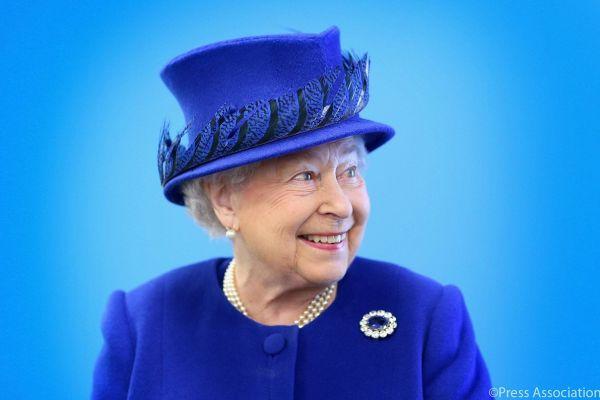 Regina Elisabeta a II-a a Marii Britanii, cel mai longeviv monarh din lume, implineste 91 de ani. Desi nascuta pe 21 aprilie, Regina isi aniverseaza ziua de nastere pe la 2 iunie, data la care a fost incoronata oficial, in 1953. Foto: Facebook