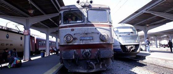 Motivul pentru care CFR trimite trenuri cu 2 vagoane pe rute supraaglomerate.  E teroare