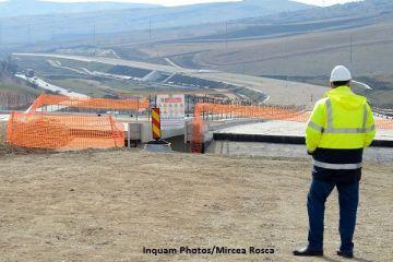 Constructorul spaniol al lotului 3 Lugoj-Deva a declanşat un conflict diplomatic și vrea să dea statul român în judecată. Cuc:  Ei credeau că aici e un sat fără câini