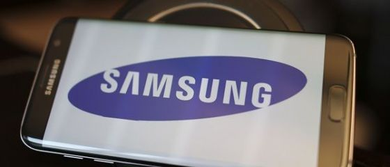 Samsung se pregătește să lanseze un smartphone pliabil