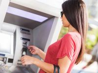 Profit.ro: romanii ar putea scapa de comisioanele de retragere de la banci atat in tara cat si in UE