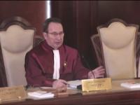 Persoanele condamnate penal au interzis la Palatul Victoria. CCR a respins ca inadmisibila sesizarea Avocatului Poporului la Legea 90